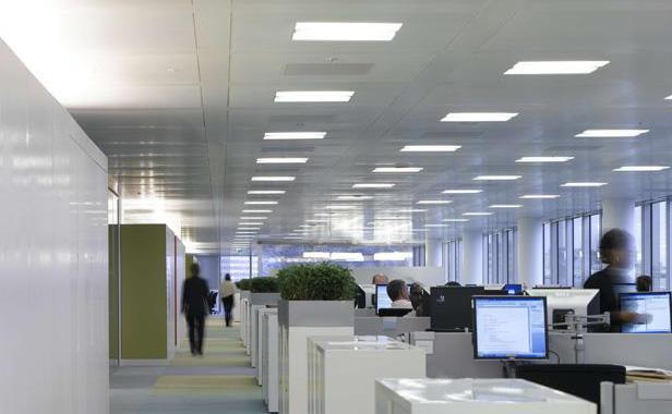 bureaux-open-space-a-londres-1374769-616x380
